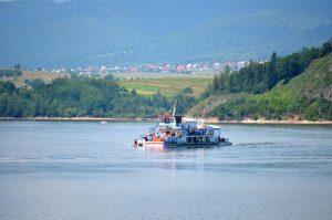 Statek na Jeziorze Czorsztyńskim